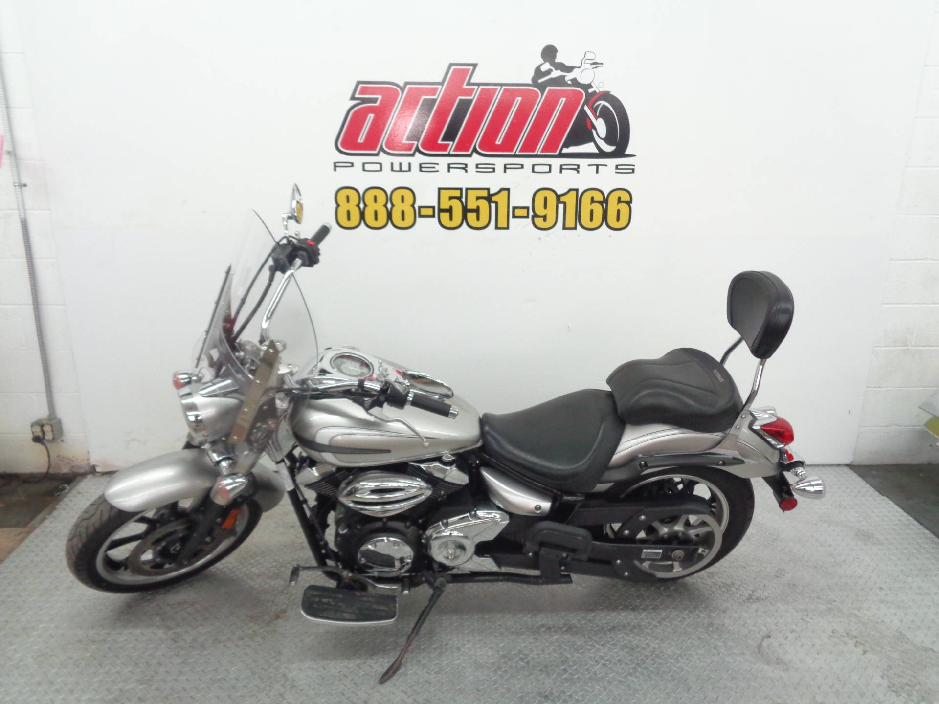 2012 Yamaha V Star 950 in Tulsa, Oklahoma - Photo 2