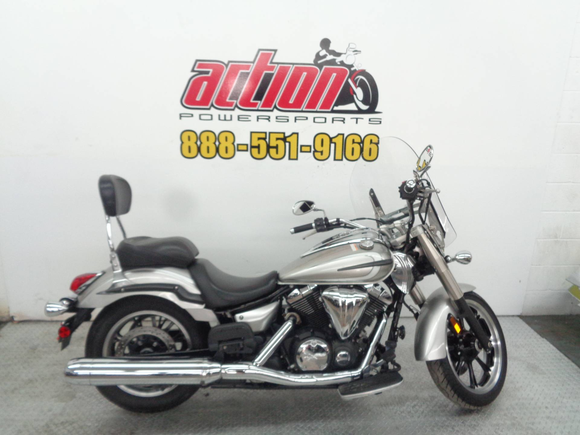 2012 Yamaha V Star 950 in Tulsa, Oklahoma - Photo 1
