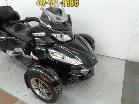 2010 Can-Am Spyder™ RT-S SE5 in Tulsa, Oklahoma - Photo 5
