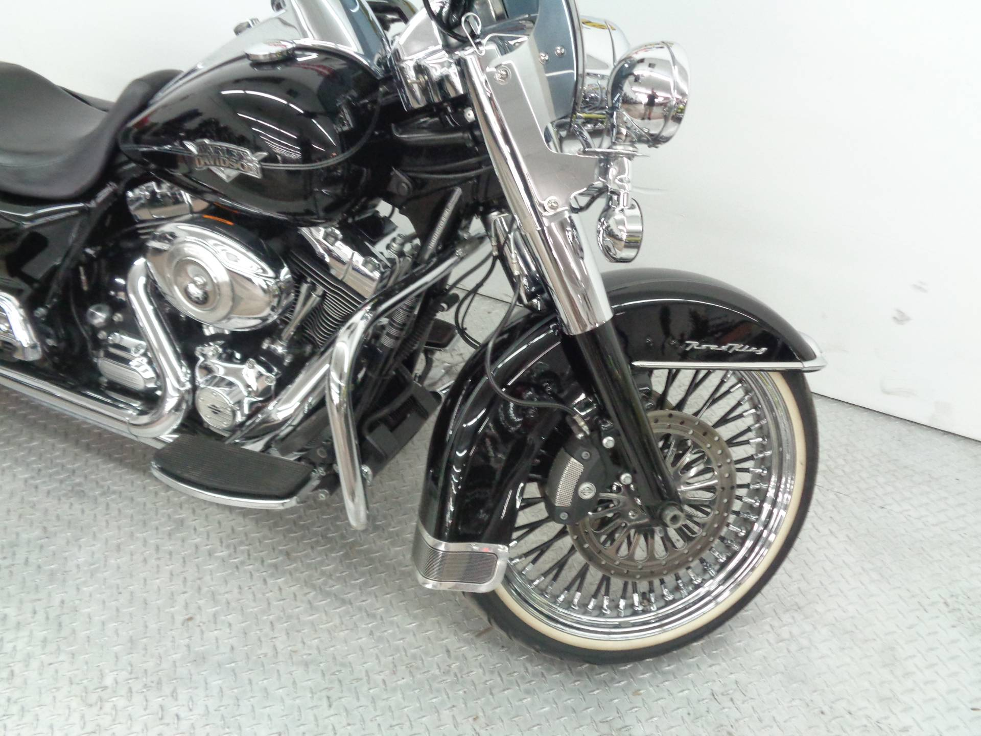 2011 Harley-Davidson Road King® Classic in Tulsa, Oklahoma - Photo 10