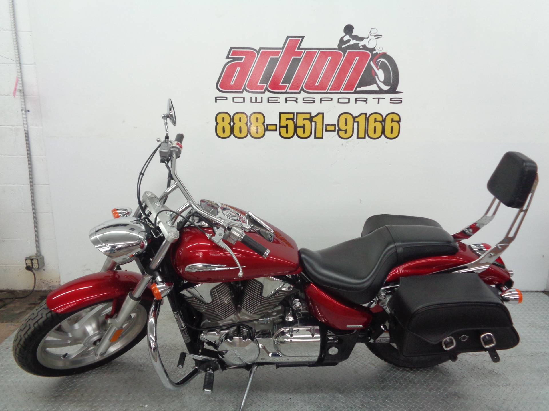 2009 Honda VTX®1300C in Tulsa, Oklahoma - Photo 2