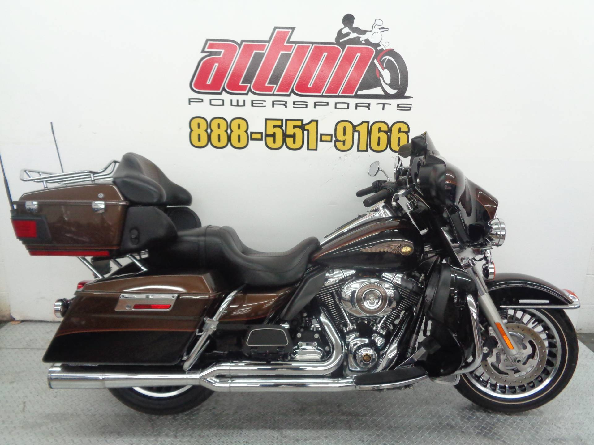 2013 Harley-Davidson Electra Glide® Ultra Limited 110th Anniversary Edition in Tulsa, Oklahoma - Photo 1