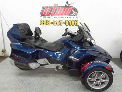 2010 Can-Am Spyder® RT Audio & Convenience SE5 in Tulsa, Oklahoma - Photo 1