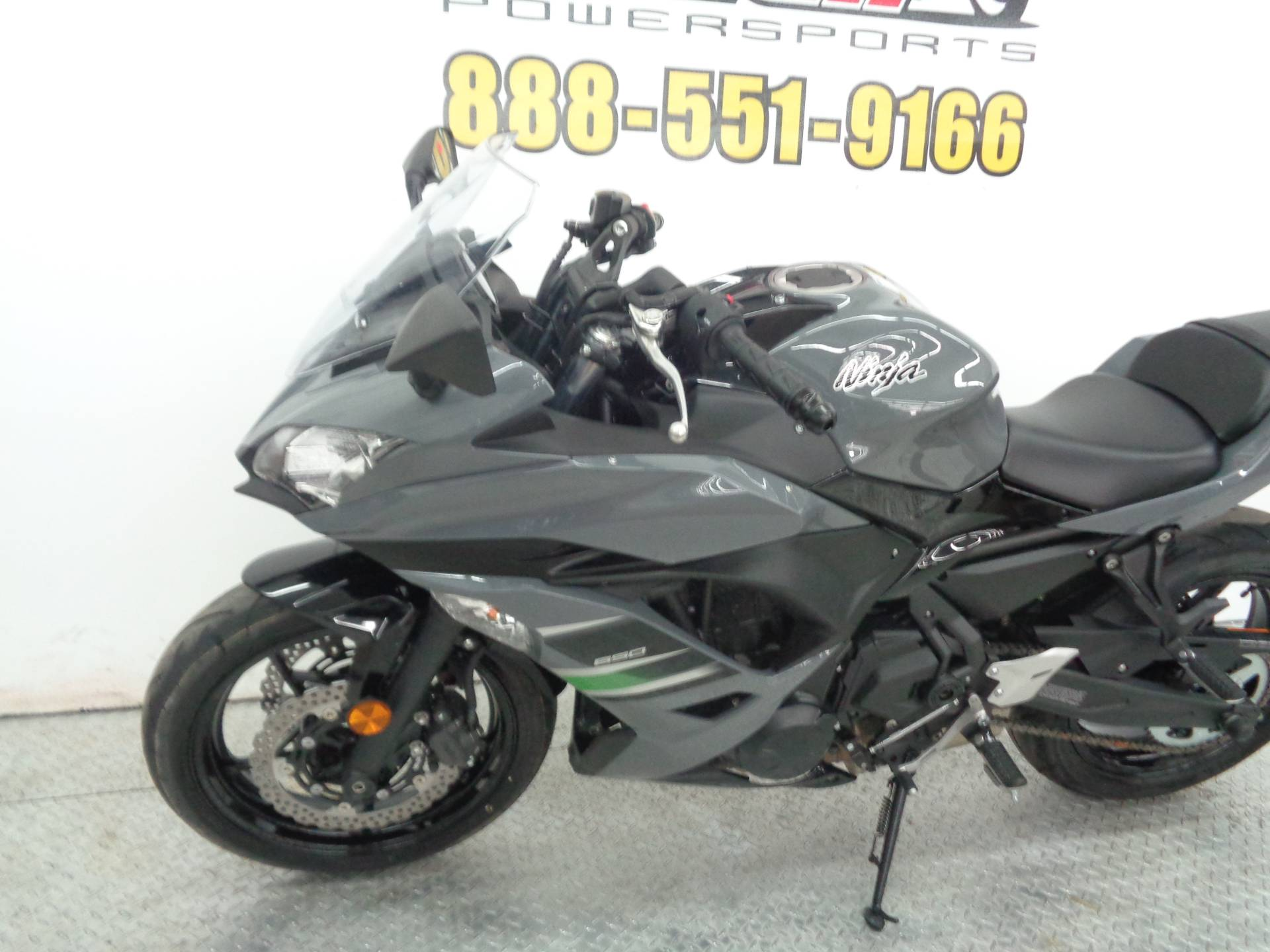 2018 Kawasaki Ninja 650 in Tulsa, Oklahoma - Photo 6