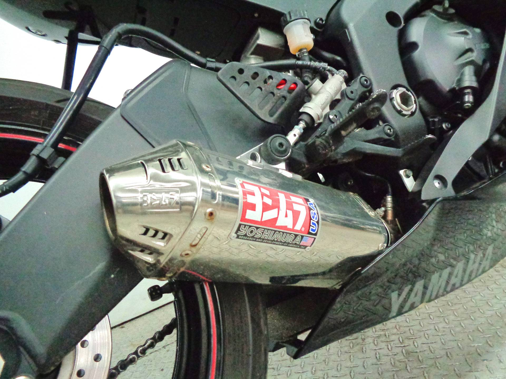 2006 Yamaha YZFR6 4