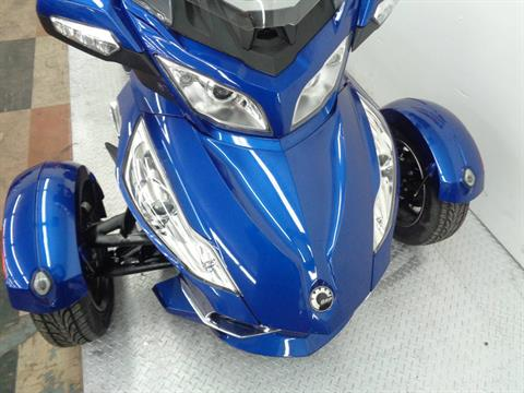 2012 Can-Am Spyder® RT-S SM5 in Tulsa, Oklahoma - Photo 2