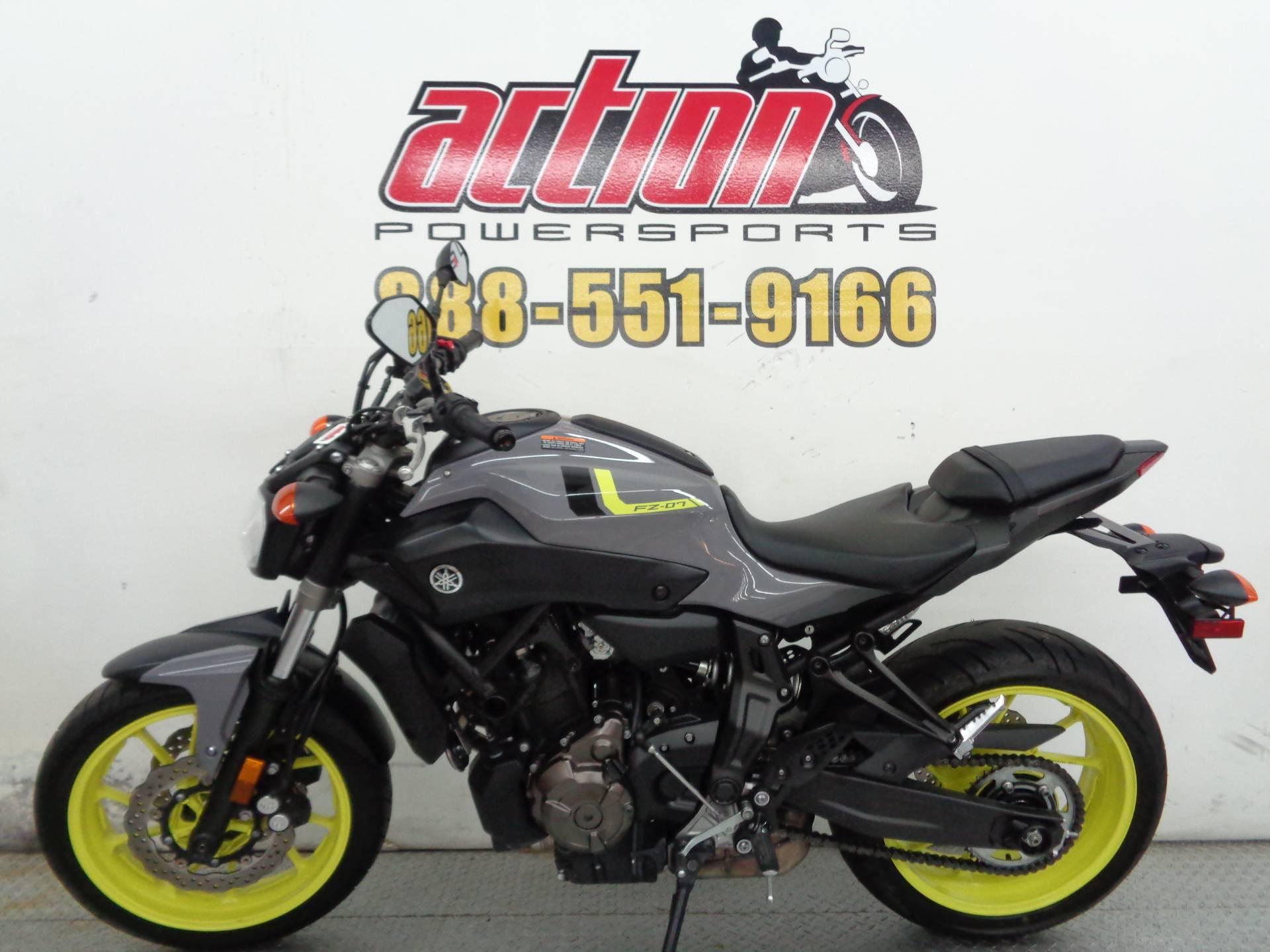 2016 Yamaha FZ-07 2