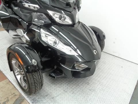 2010 Can-Am Spyder™ RT-S SM5 in Tulsa, Oklahoma - Photo 2