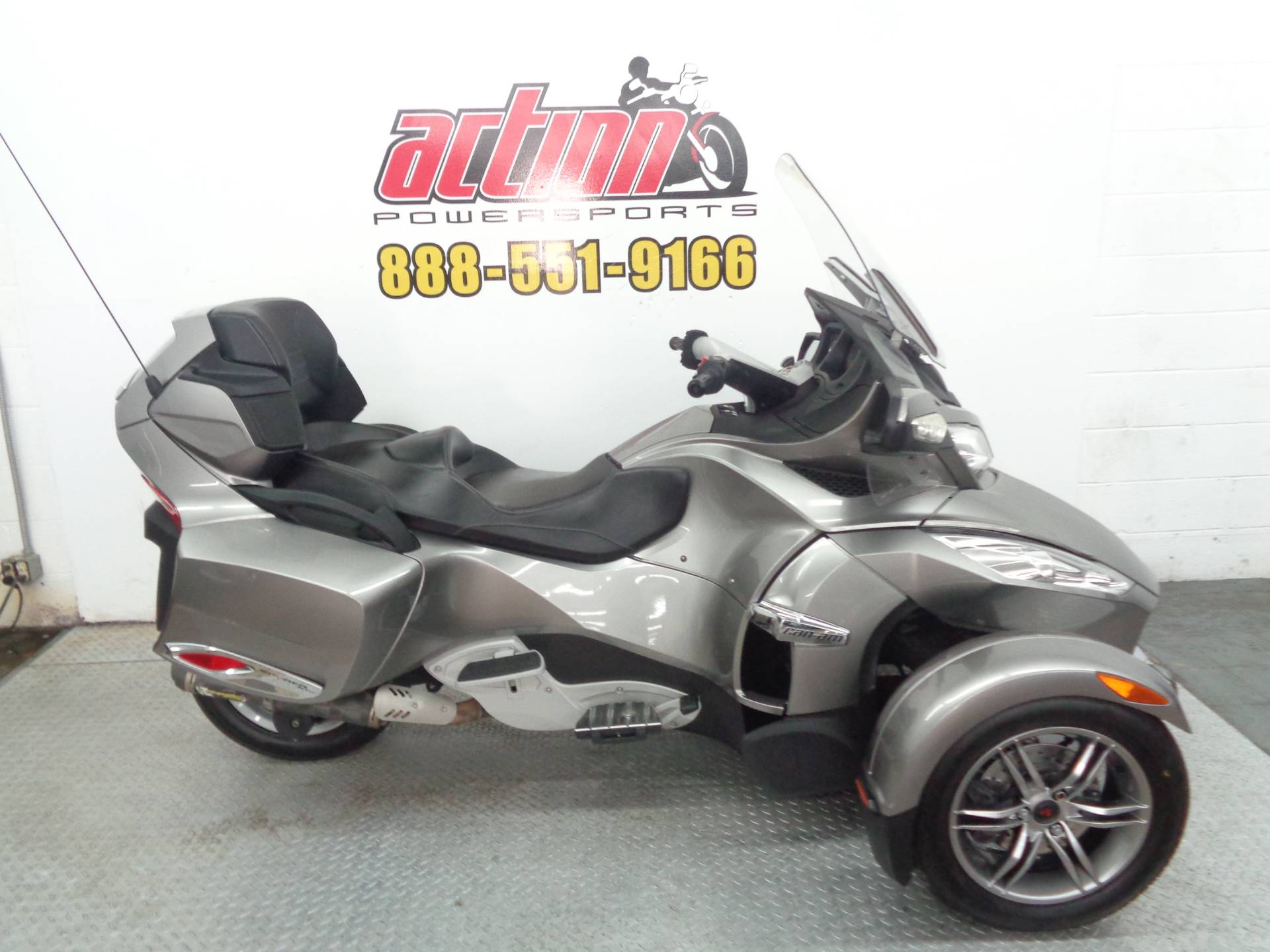 2012 Can-Am Spyder® RT-S SE5 in Tulsa, Oklahoma - Photo 1