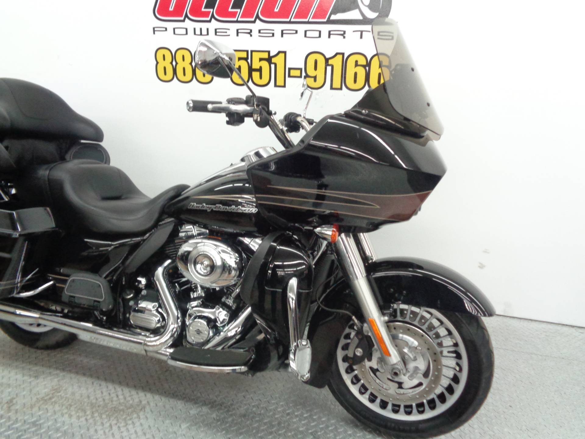 2013 Harley-Davidson Road Glide® Ultra in Tulsa, Oklahoma - Photo 12
