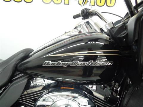 2013 Harley-Davidson Road Glide® Ultra in Tulsa, Oklahoma - Photo 13