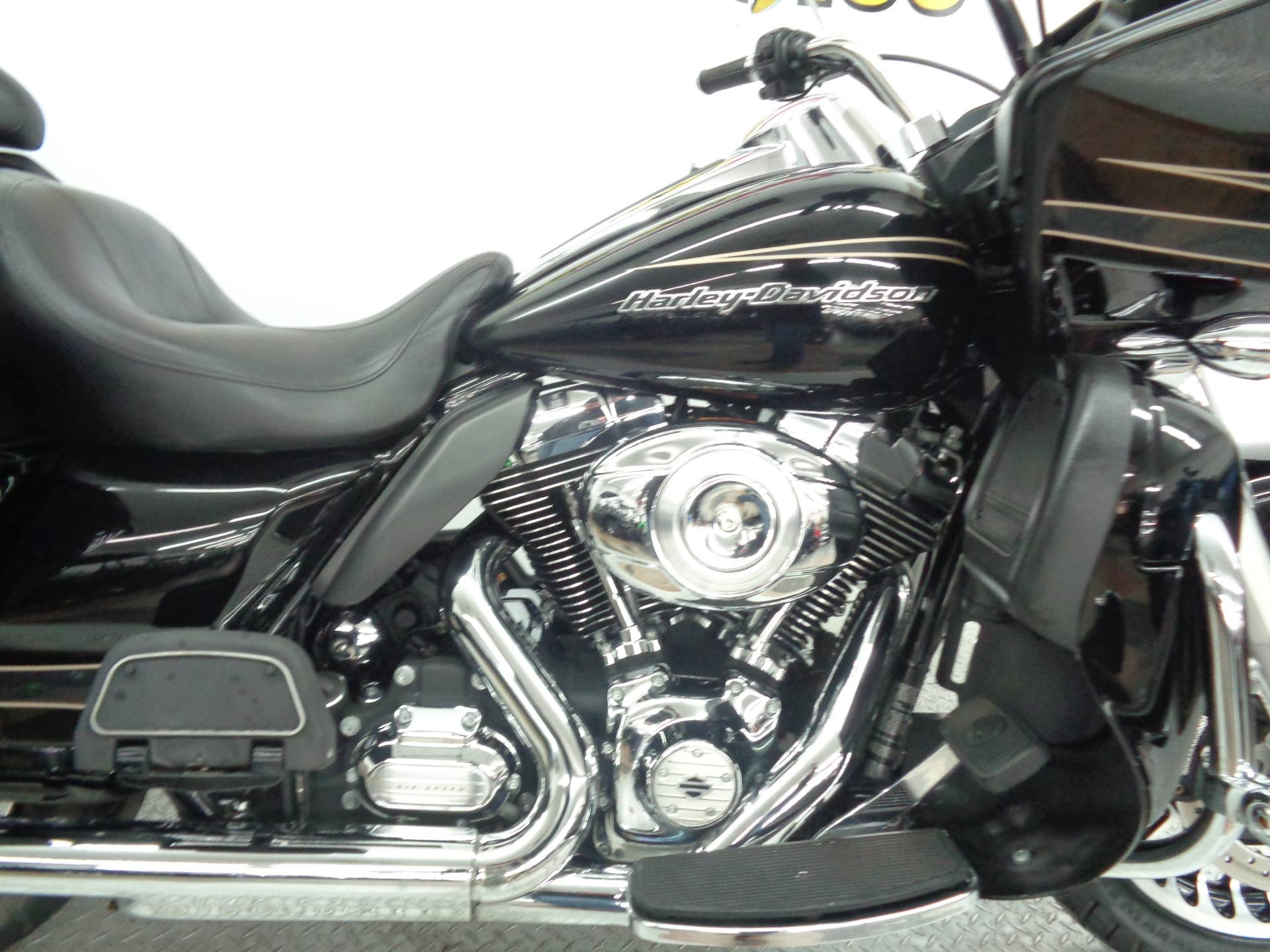 2013 Harley-Davidson Road Glide® Ultra in Tulsa, Oklahoma - Photo 14