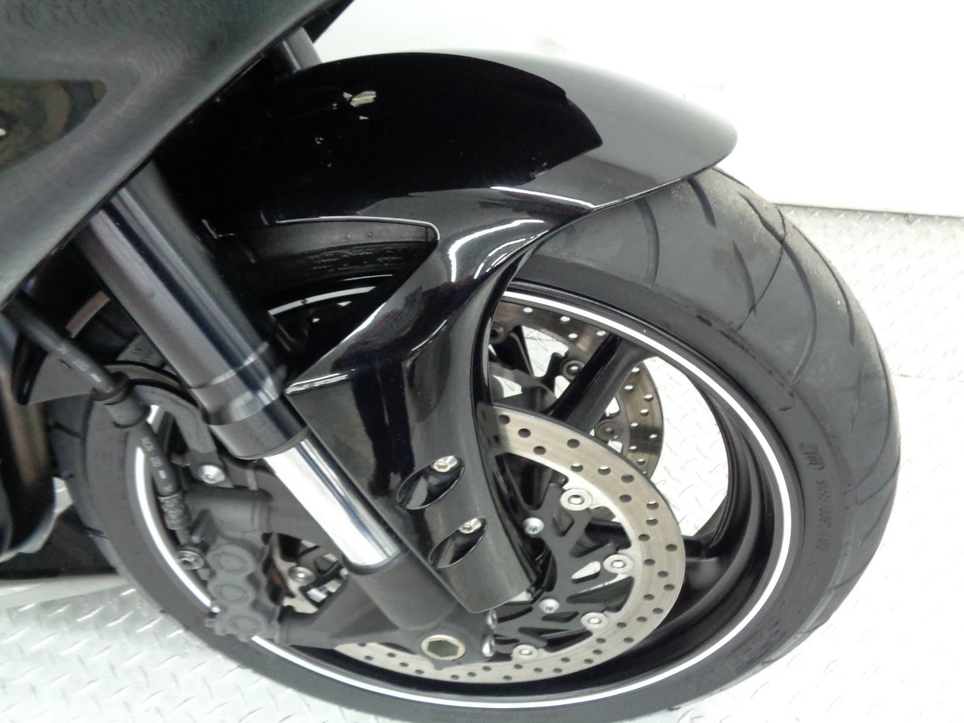 2010 Yamaha YZF-R1 8