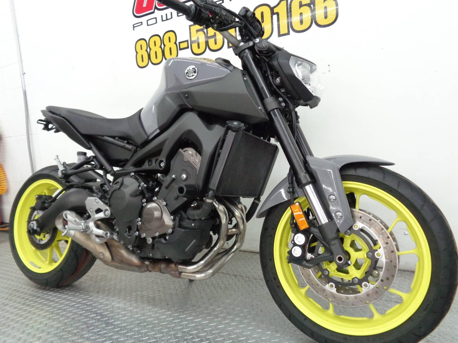 2016 Yamaha FZ-09 3
