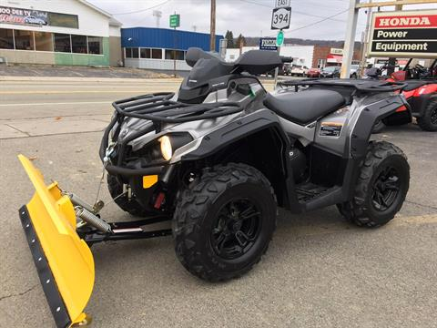 2017 Can-Am Outlander XT 570 in Jamestown, New York