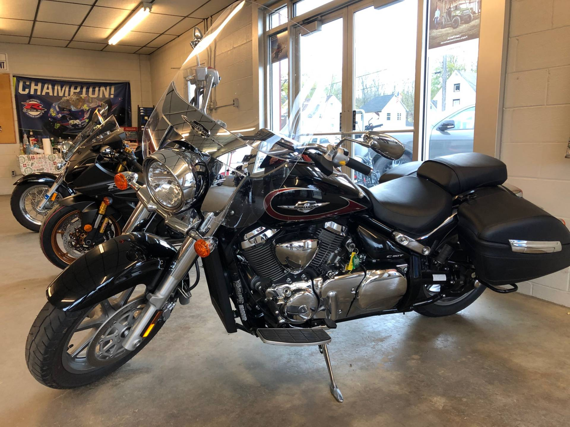 2017 Suzuki Boulevard C90T in Jamestown, New York - Photo 2