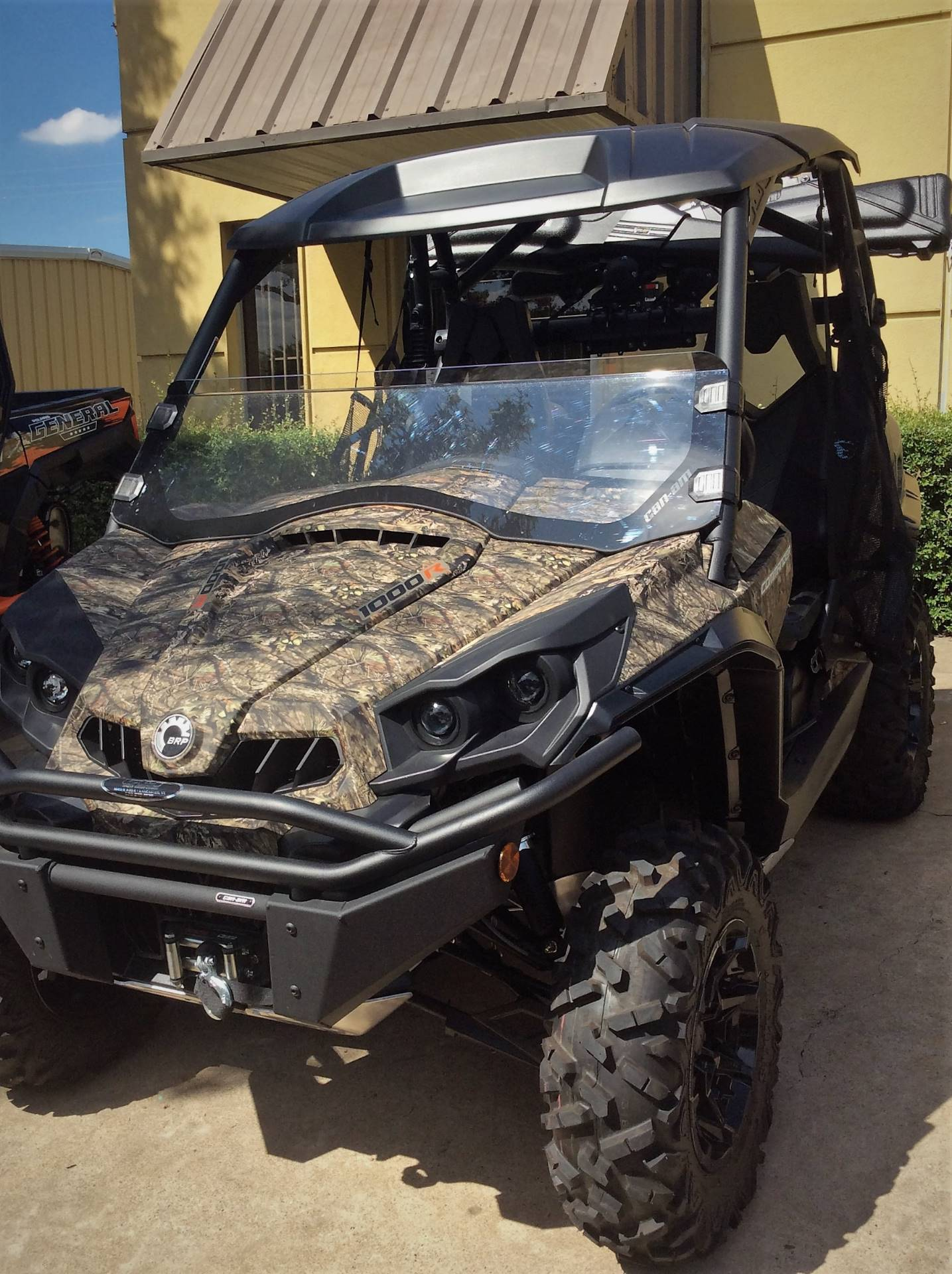 2018 Can-Am Commander Mossy Oak Hunting Edition in Lancaster, Texas - Photo 1