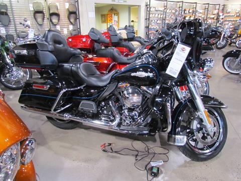 2014 Harley-Davidson Ultra Limited in New York Mills, New York