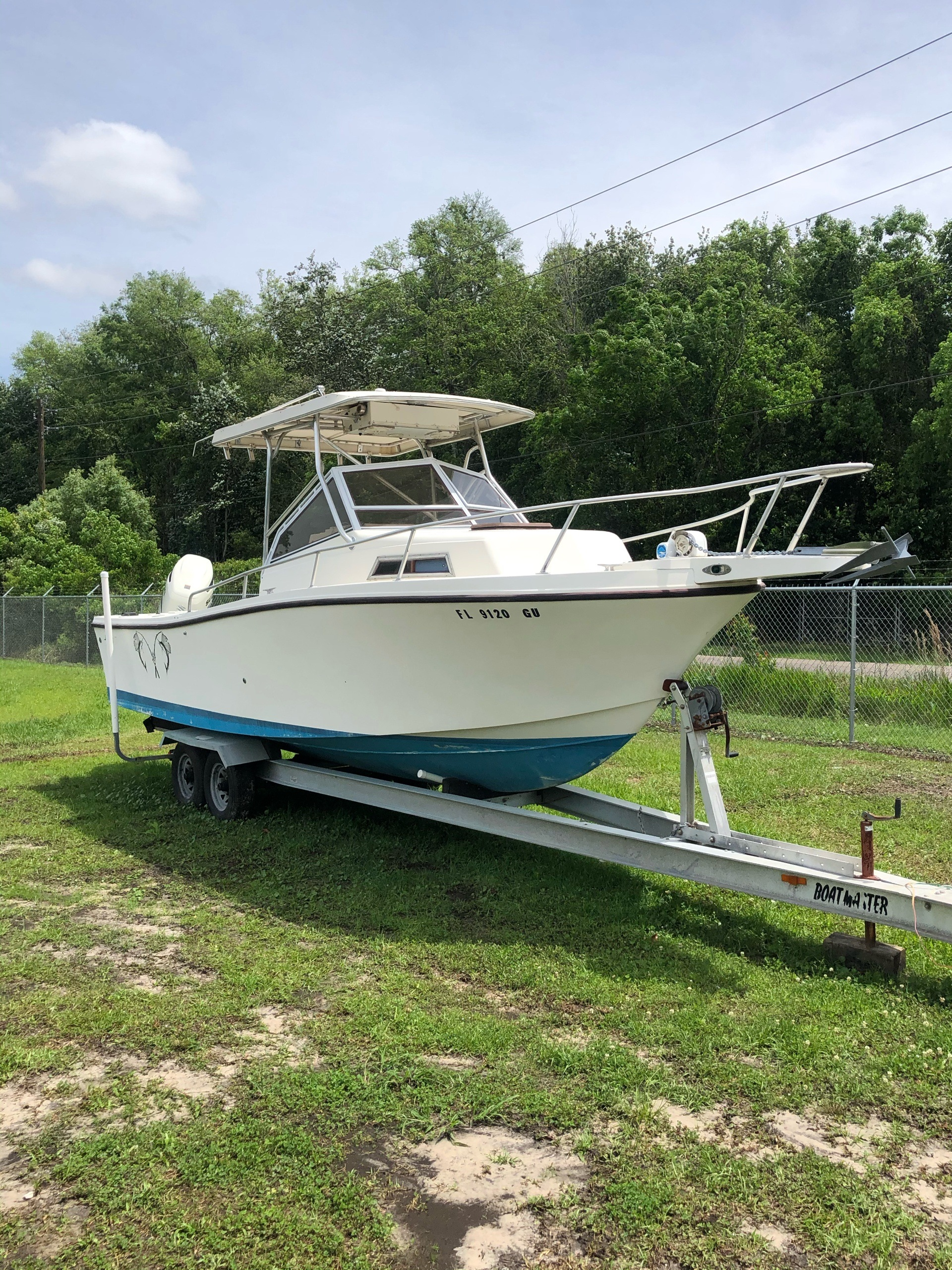 1990 Mako 25WA in Lake City, Florida - Photo 1