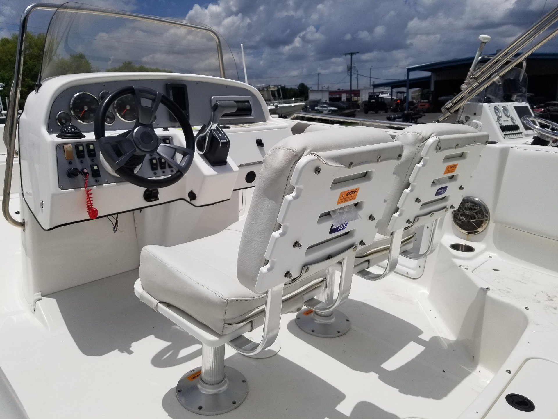 2014 Hurricane SunDeck Sport 211 OB in Lake City, Florida - Photo 7