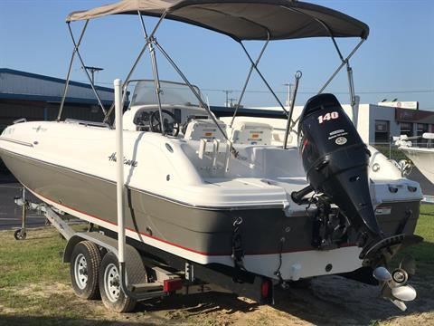 2014 Hurricane SunDeck Sport 211 OB in Lake City, Florida - Photo 2