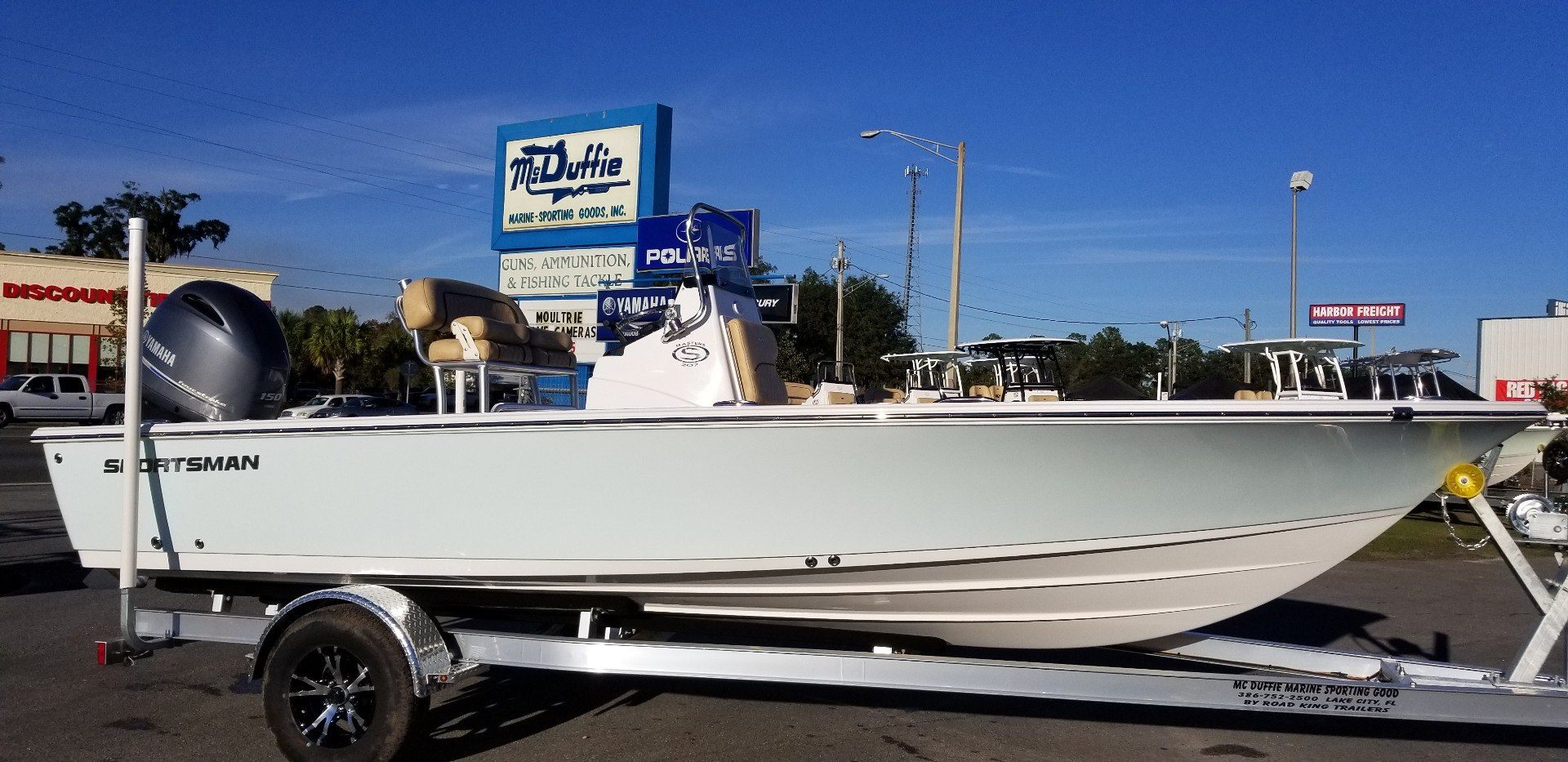 2019 Sportsman Masters 207 Bay Boat in Lake City, Florida
