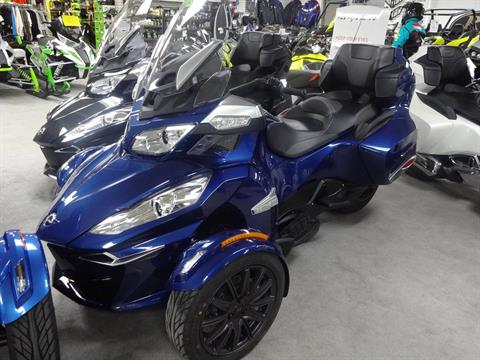 2016 Can-Am Spyder RT-S SE6 in Zulu, Indiana