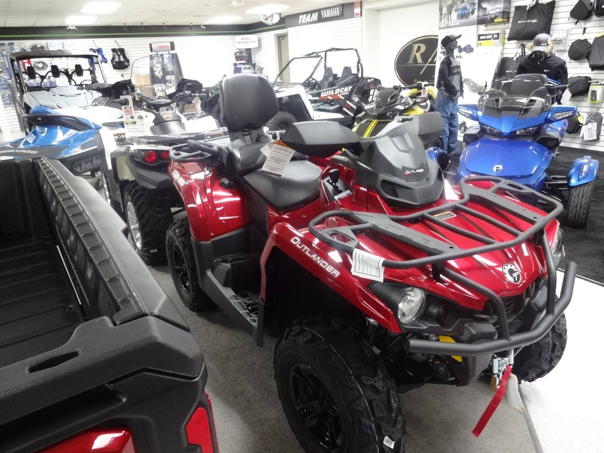 2018 Can-Am Outlander MAX XT 570 in Zulu, Indiana
