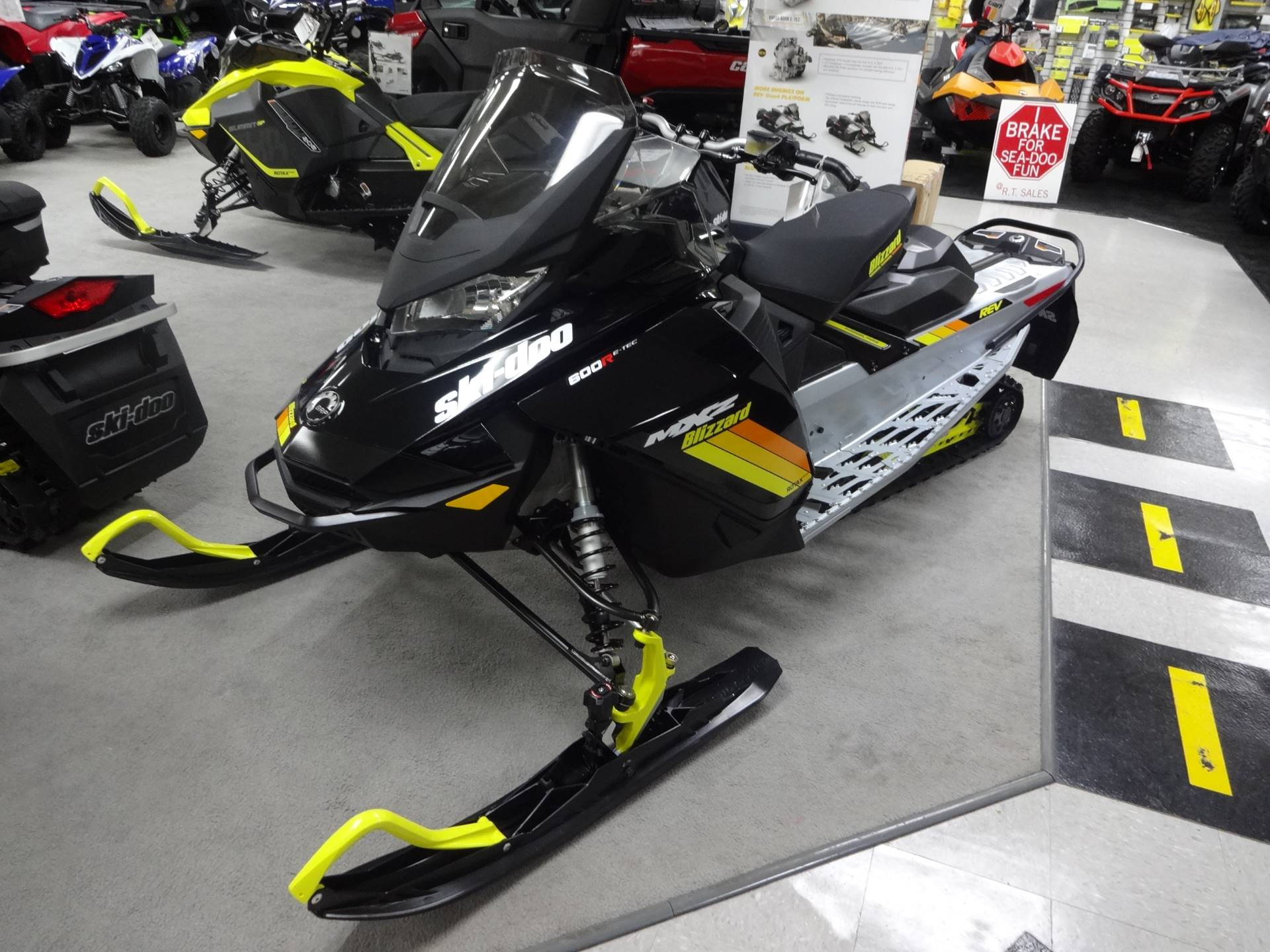 2019 Ski-Doo MXZ Blizzard 600R E-Tec in Zulu, Indiana - Photo 1