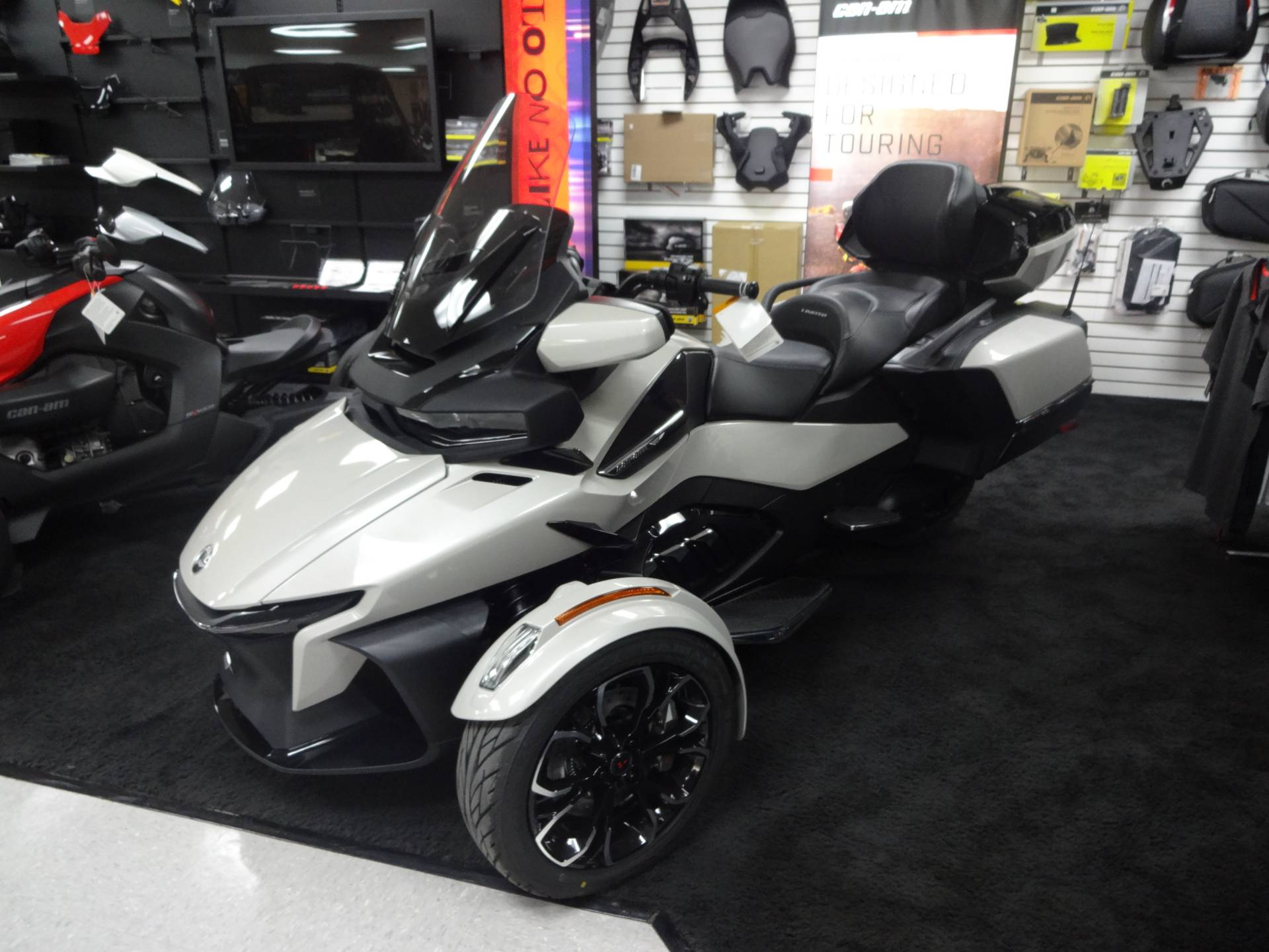 2021 Can-Am Spyder RT Limited in Zulu, Indiana - Photo 2