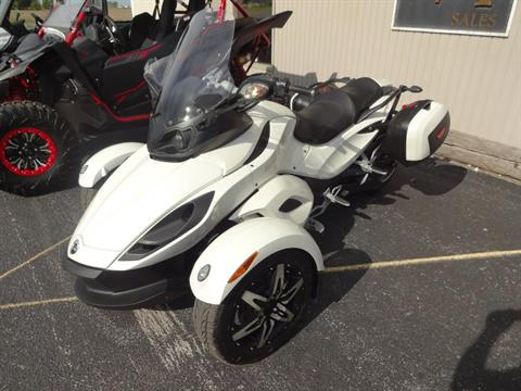 2010 Can-Am Spyder® RS-S SE5 in Zulu, Indiana - Photo 2