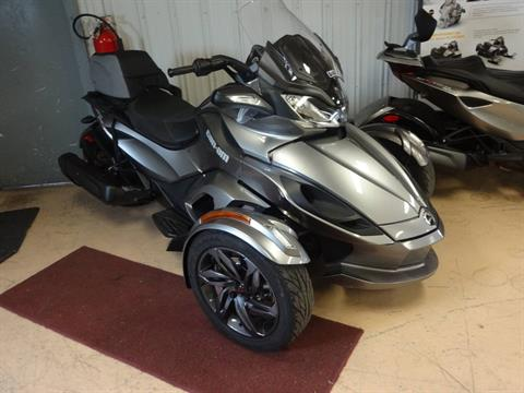 2013 Can-Am Spyder® ST-S SE5 in Zulu, Indiana