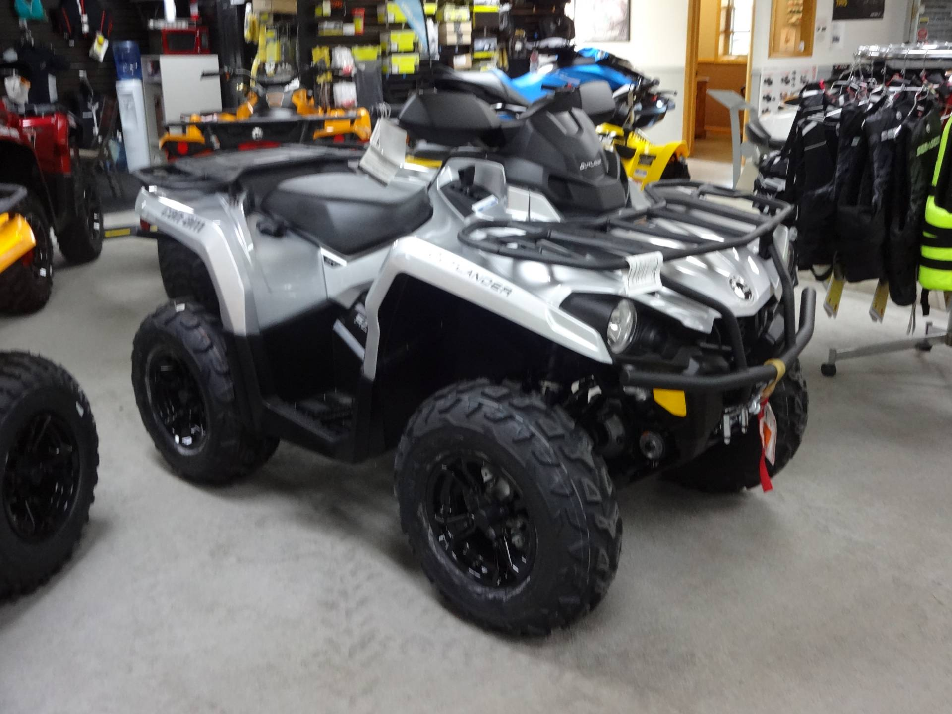 2019 Can-Am Outlander XT 570 in Zulu, Indiana - Photo 2