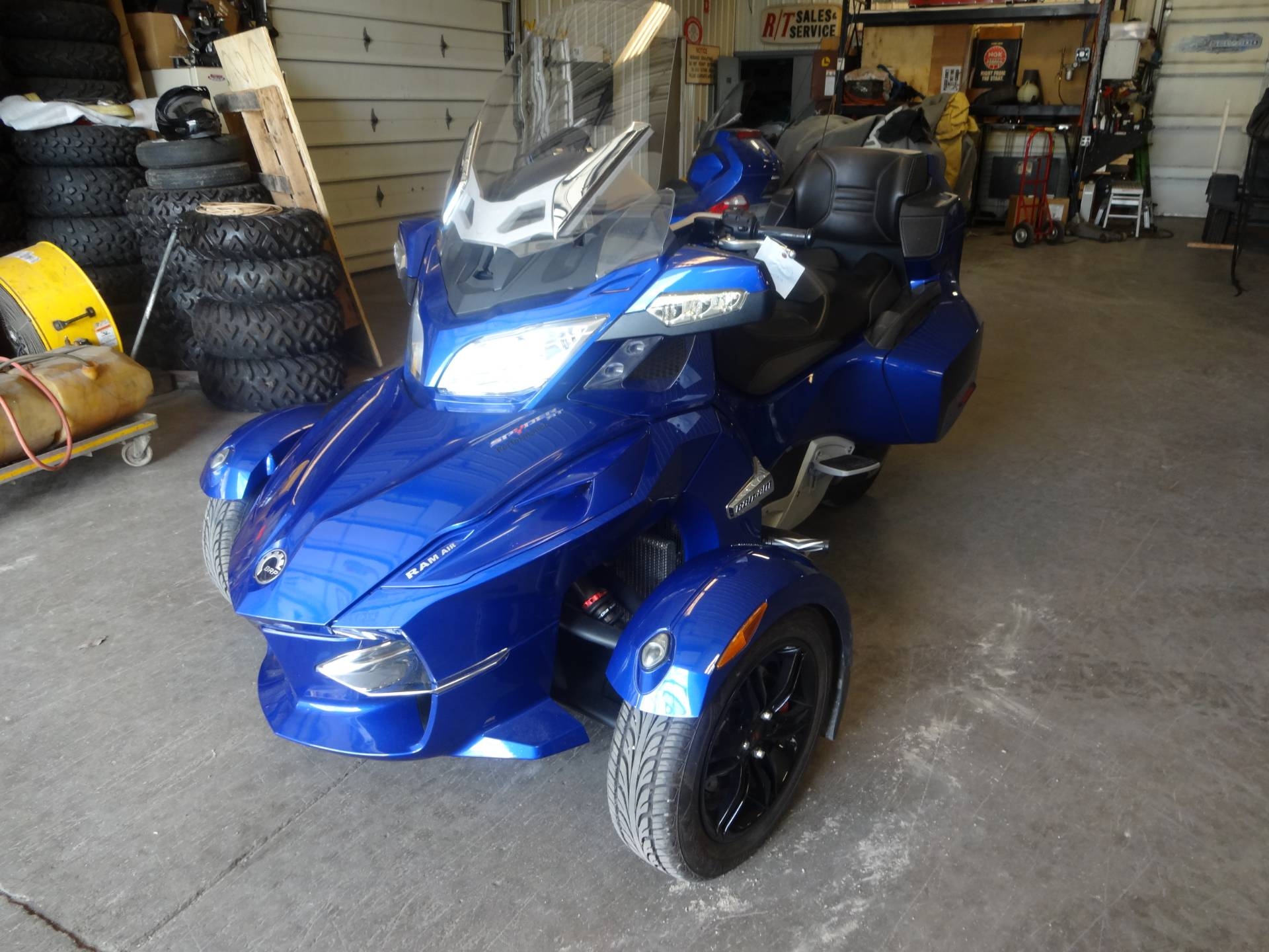 2012 Can-Am Spyder® RT Audio & Convenience SM5 in Zulu, Indiana