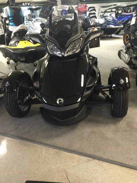 2015 Can-Am Spyder® ST SE5 in Zulu, Indiana
