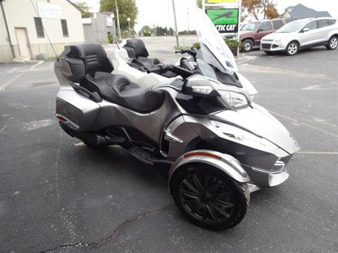 2013 Can-Am Spyder® RT-S SE5 in Zulu, Indiana - Photo 1
