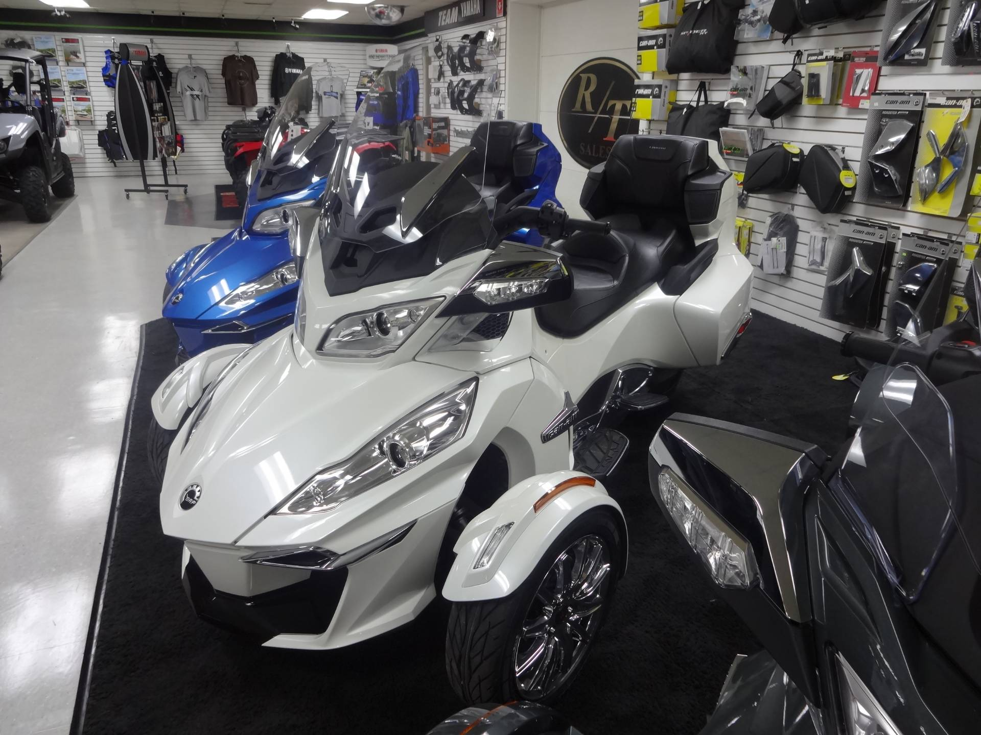 2018 Can-Am Spyder RT Limited in Zulu, Indiana