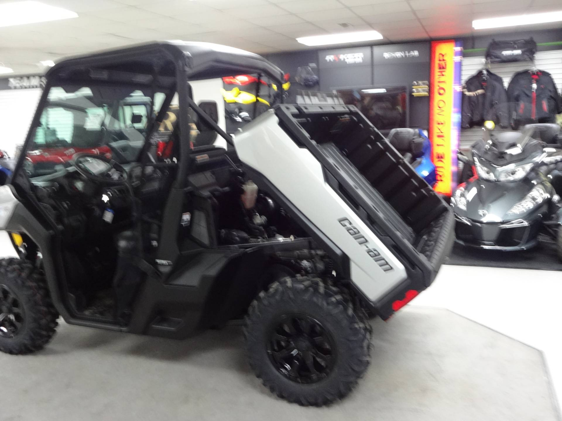 2019 Can-Am Defender XT HD10 in Zulu, Indiana - Photo 5