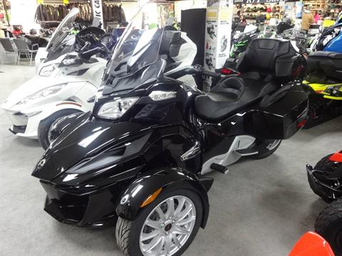 2016 Can-Am Spyder RT SE6 in Zulu, Indiana