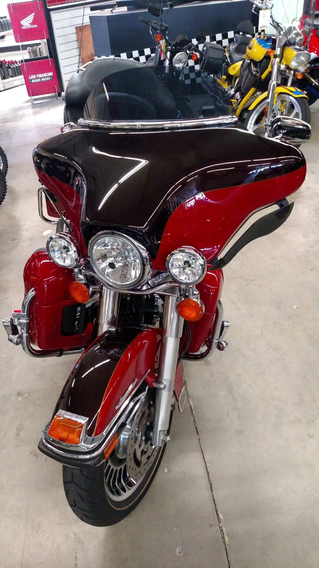 2010 Harley-Davidson Electra Glide® Ultra Limited in Fremont, California - Photo 2