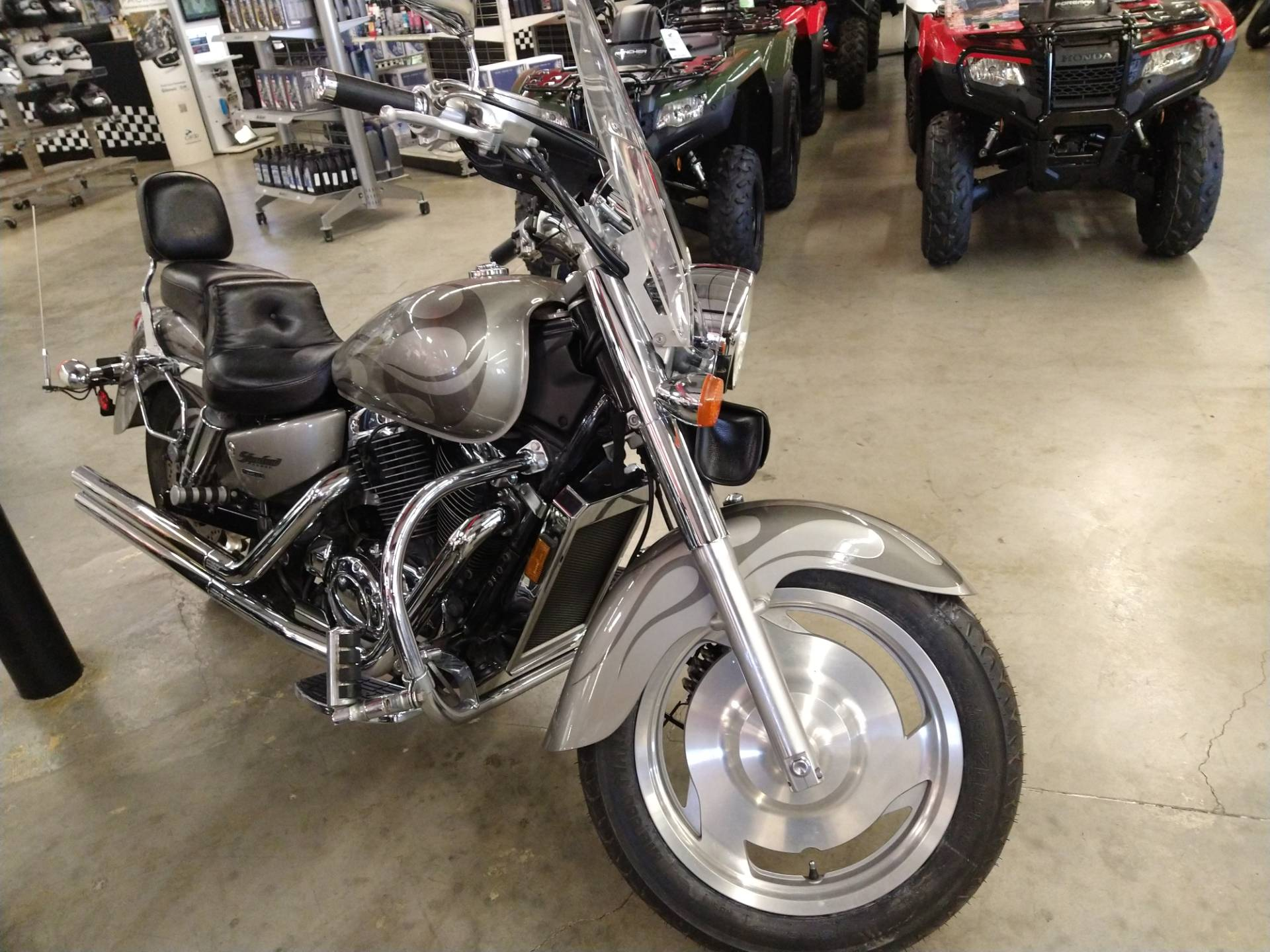 2002 Honda Shadow Sabre in Fremont, California - Photo 2