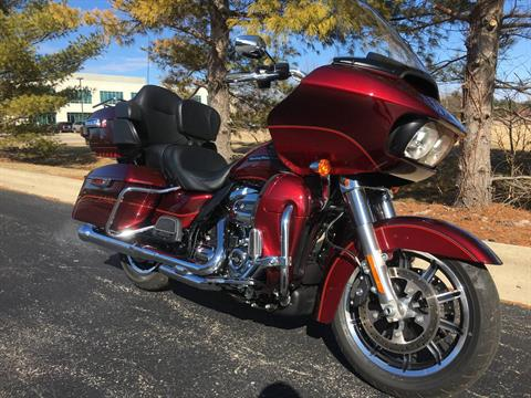 2017 Harley-Davidson Road Glide Ultra in Forsyth, Illinois