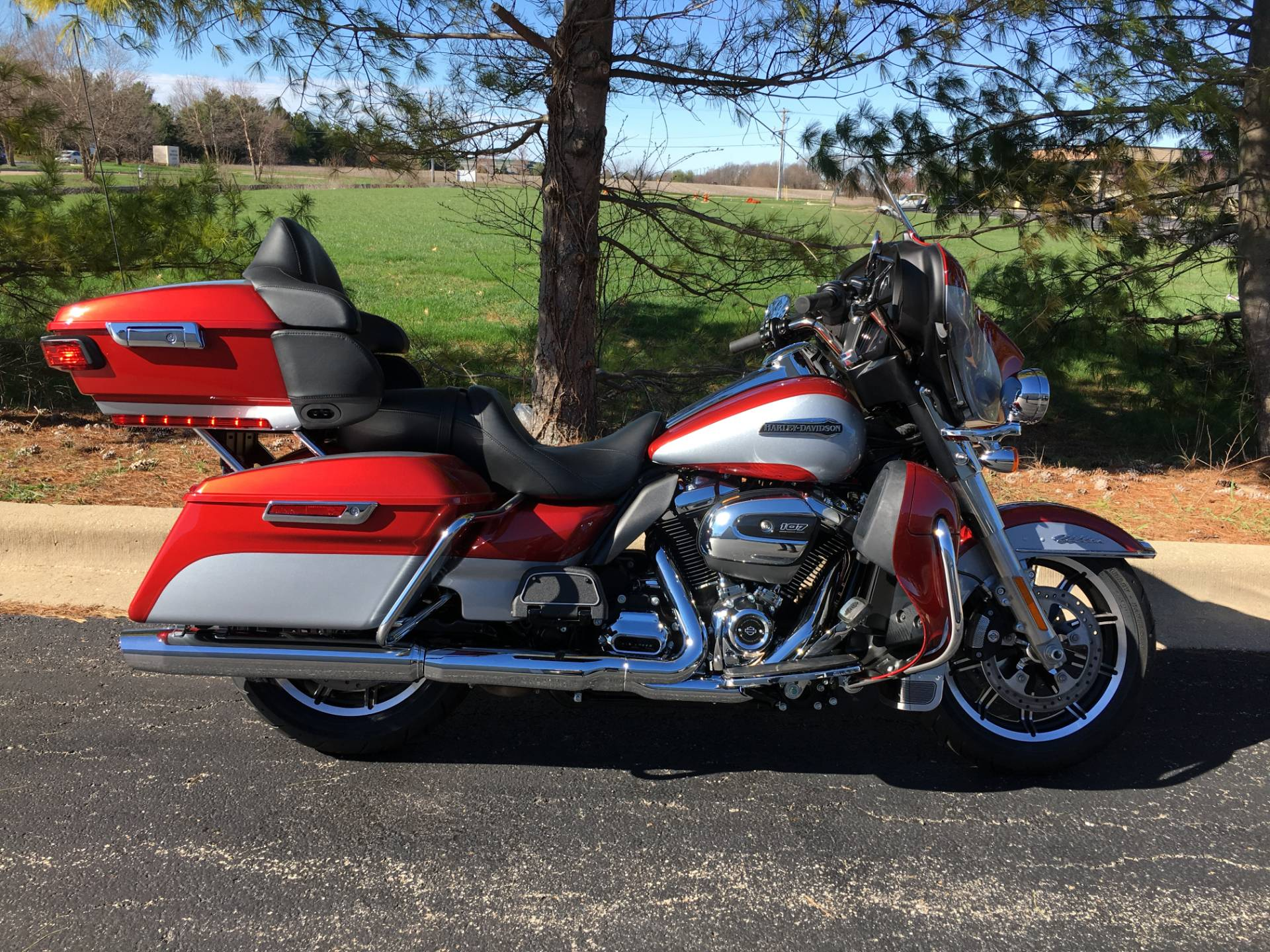 2019 Harley-Davidson Ultra Classic in Forsyth, Illinois - Photo 1