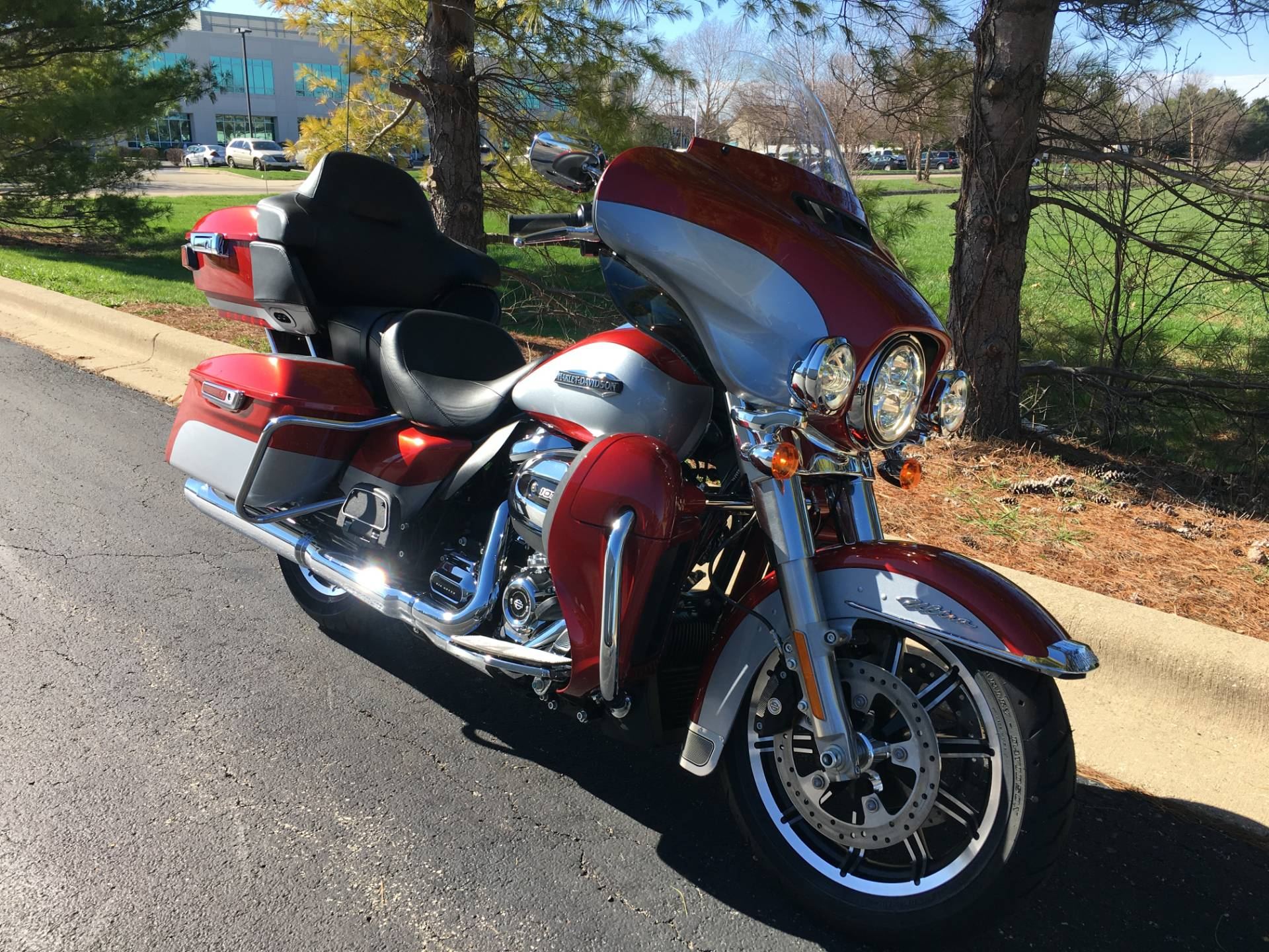 2019 Harley-Davidson Ultra Classic in Forsyth, Illinois - Photo 2
