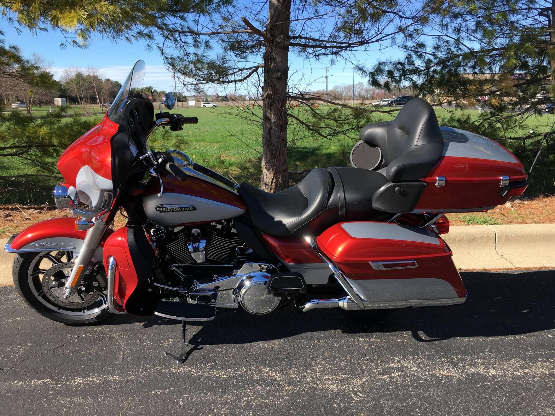 2019 Harley-Davidson Ultra Classic in Forsyth, Illinois - Photo 4