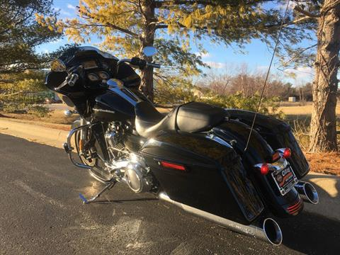 2017 Harley-Davidson Road Glide in Forsyth, Illinois - Photo 6