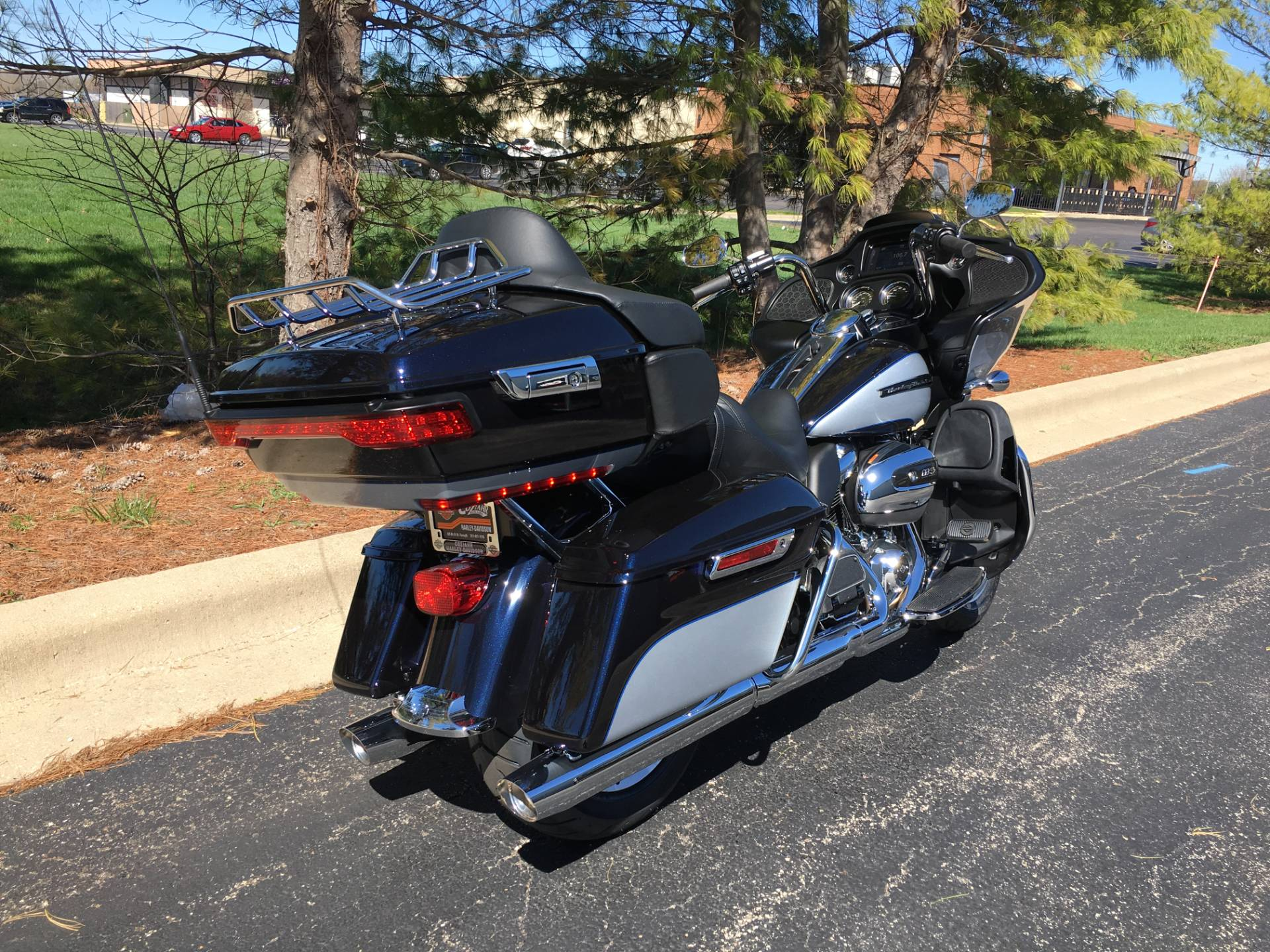 2019 Harley-Davidson Road Glide Ultra in Forsyth, Illinois - Photo 3