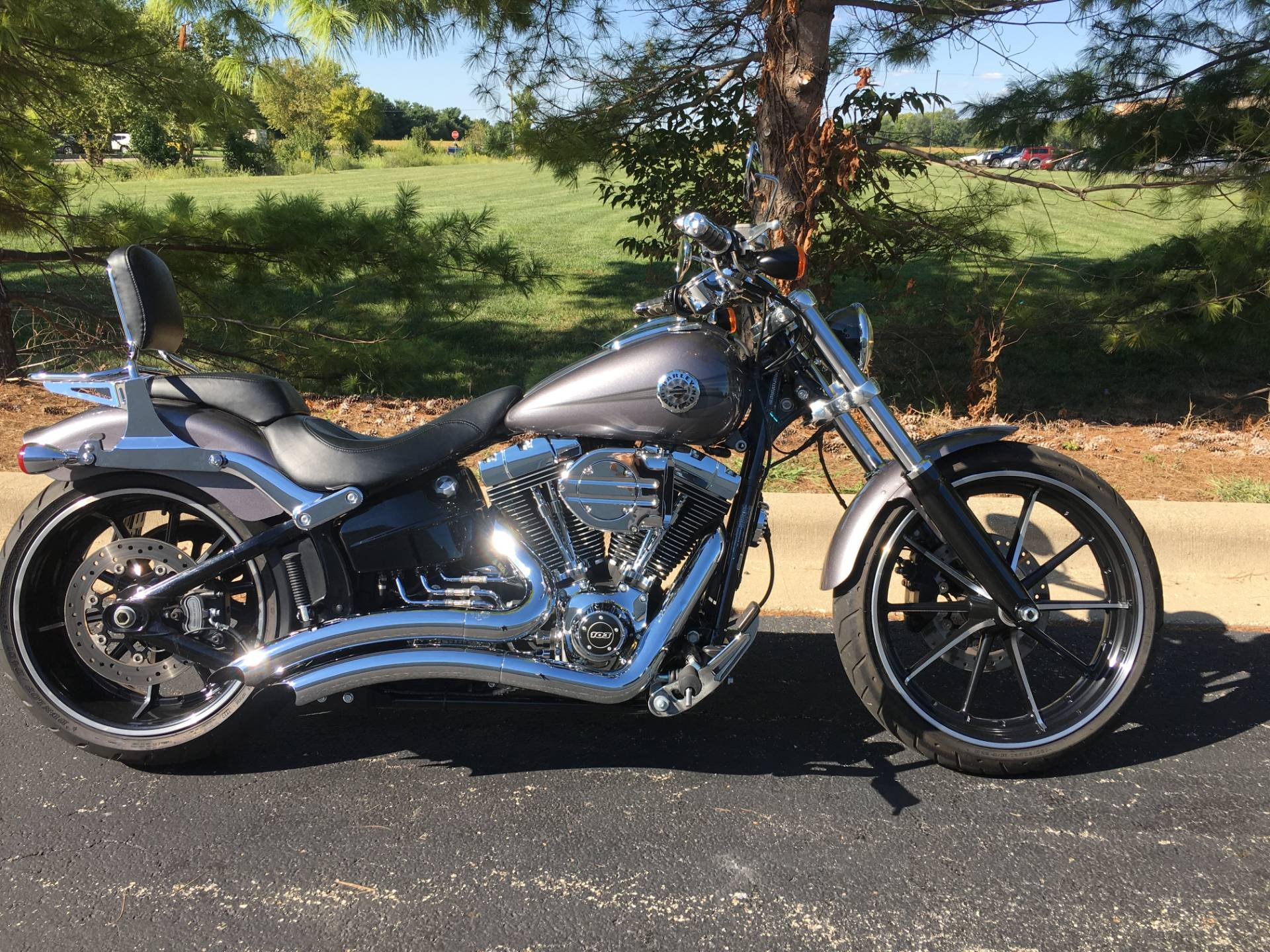 2015 Harley-Davidson Breakout in Forsyth, Illinois - Photo 1