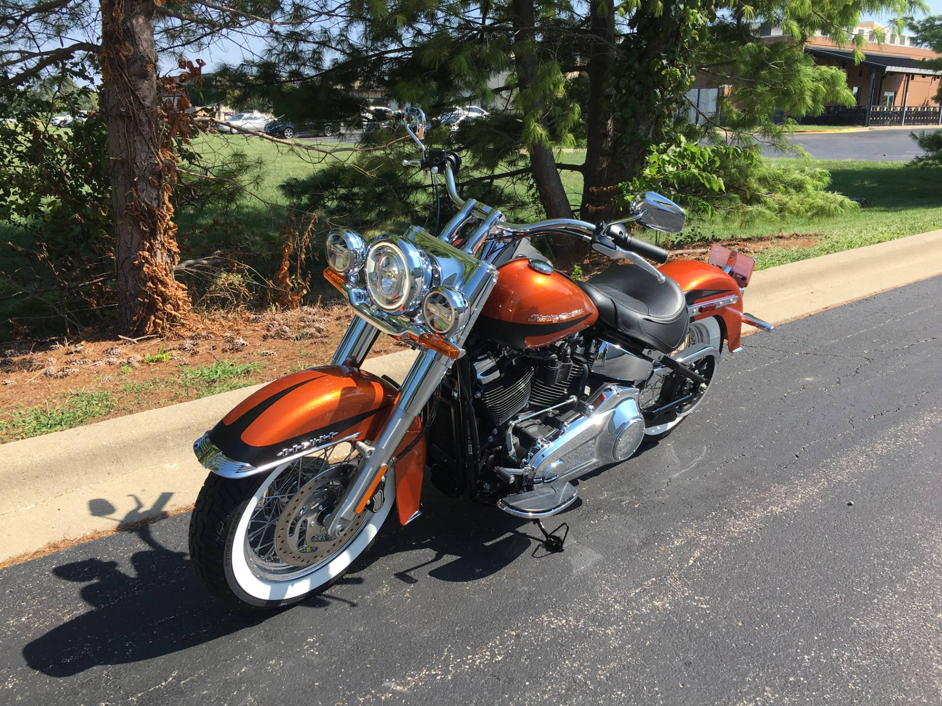 2019 Harley-Davidson Deluxe in Forsyth, Illinois