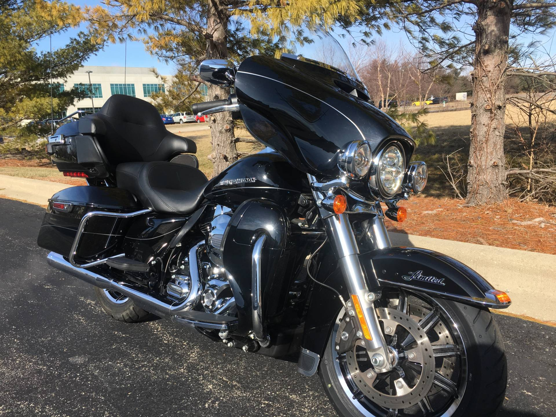 2014 Harley-Davidson Ultra Limited in Forsyth, Illinois